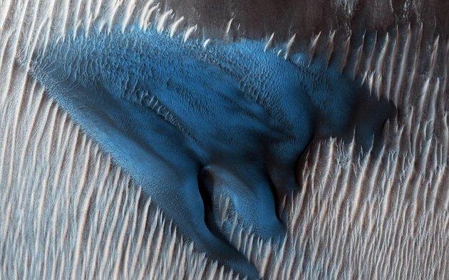 Η ανακάλυψη του μπλε αμμόλοφου στον Άρη που μάγεψε τους επιστήμονες