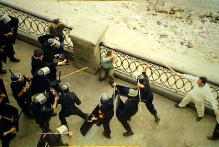 5 Negara Pasukan Polis Paling Brutal Di Dunia