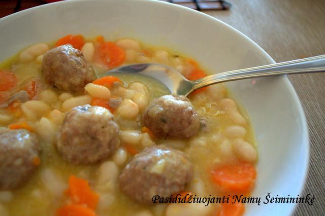 RECEPTAS: Maltos mėsos kukuliai su pupelėmis