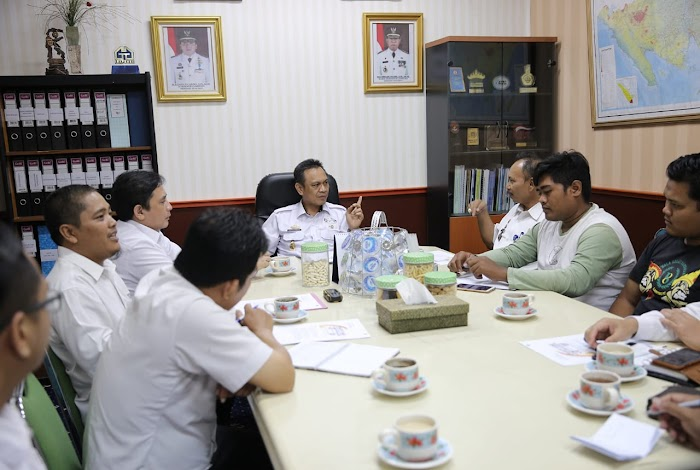 Wagub Bachtiar Basri Siap Hadir dalam Laga Amal Persija Vs Pra-PON Lampung di PKOR Way Halim 13 Januari 2019