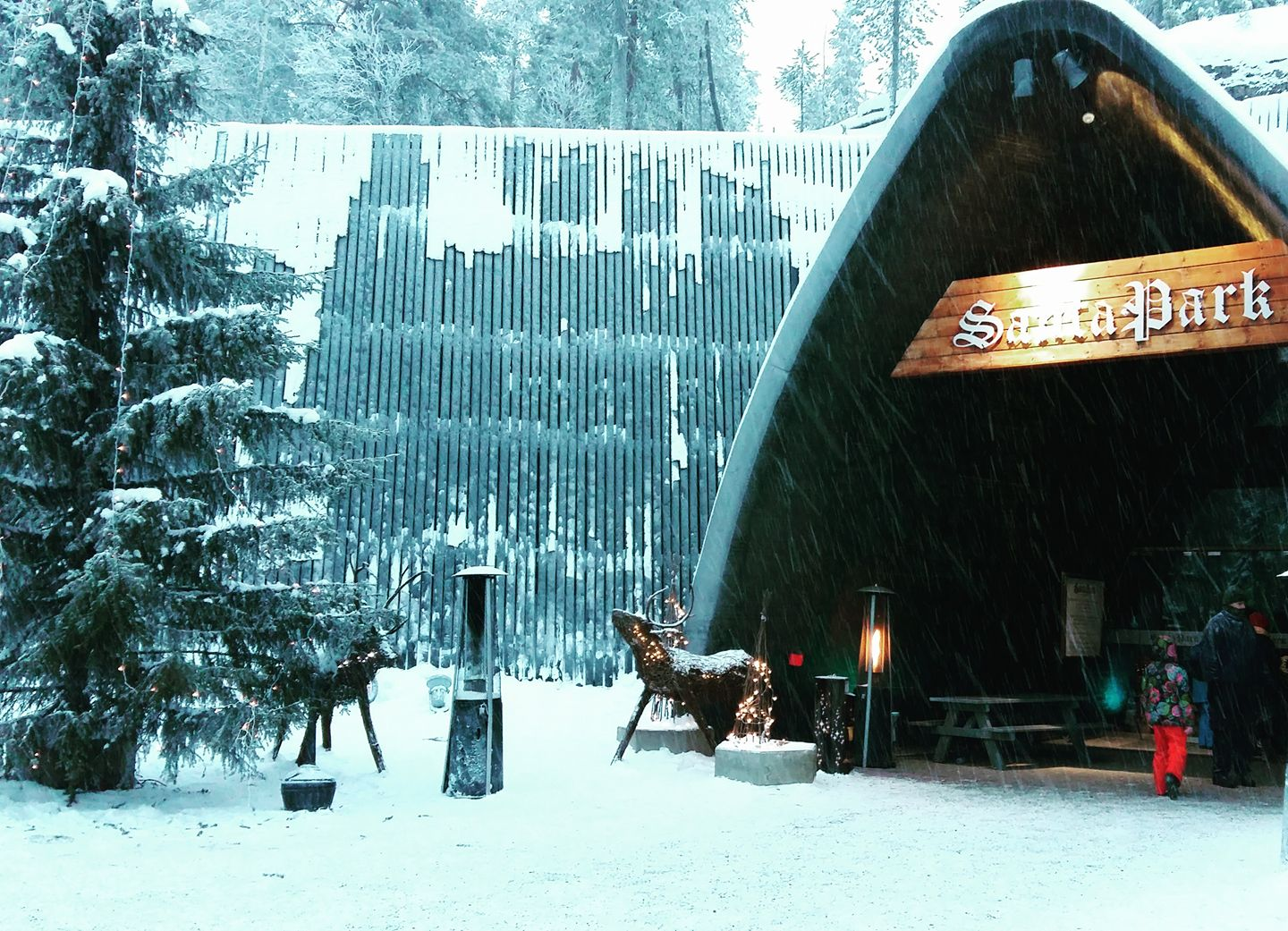 Cherrysue doin the do how to do lapland on a budget make it last week i shared our experience at santa claus village this week ill tell you how we got on at santapark when we took up their invitation to come visit solutioingenieria Choice Image