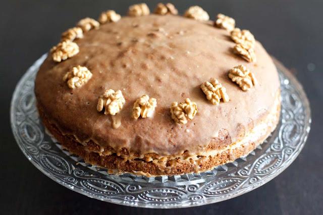 Ciasto orzechowe z kawowym kremem