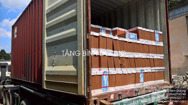 Gạch tàu Gốm Đất Việt nhập container từ Quảng Ninh vào TP. Hồ Chí Minh