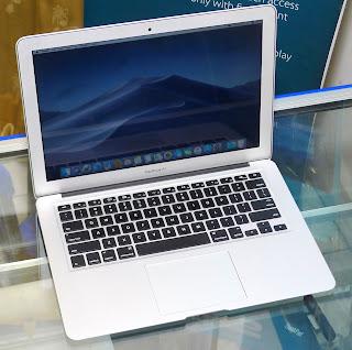 MacBook Air Core i5 13-inchi Early 2015 Bekas di Malang