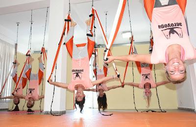 yoga aereo, aeroyoga, yoga aerea, aerial yoga, air yoga, argentina, buenos aires, carmen benitez, salud, clases, wellness, formacion, certificacion