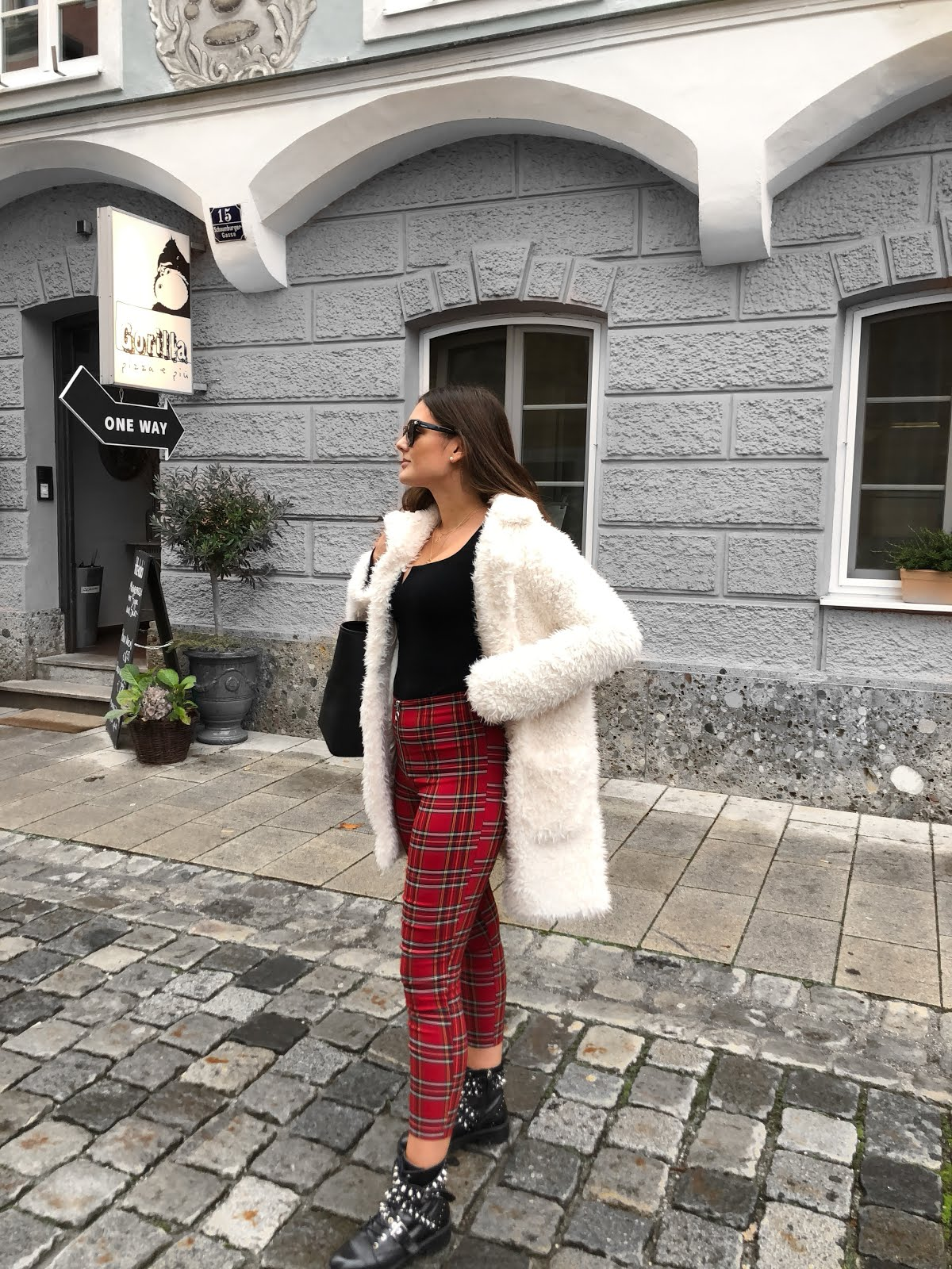 teddy coat, autumn look, autumn outfit, autumn outfit inspiration, herbst outfit inspiration, herbst outfit, winter outfit, outfit inspiration, teddy coat outfit, teddy coat outfit inspiration, fashion blog, fashion inspiration, zara, bershka, zara biker boots, fashionblogger, nelly ray, nelly ray blog