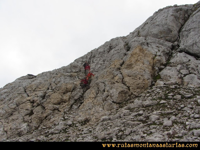 Ruta Pan de Carmen, Torre de Enmedio: saliendo a la parte baja