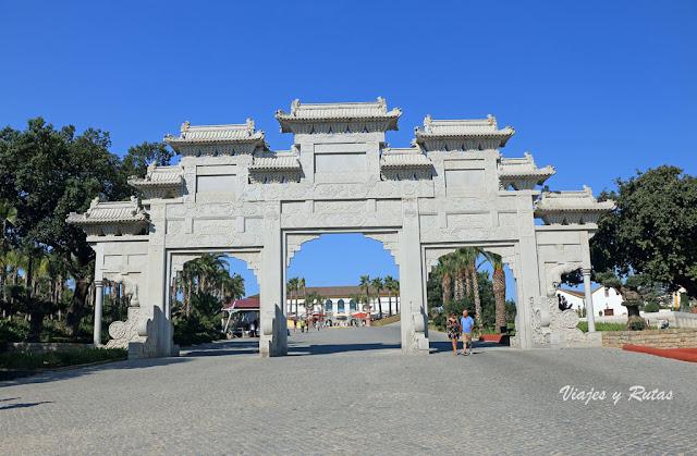 Puerta de entrada al Bacalhôa Buddha Eden