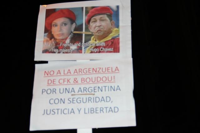In diesem programmatischen Entwurf für die Verfassung der neuen bolivarischen Republik Argenzuela ist bereits an alles gedacht - vor allem an eine vereinheitlichte Kopfbedeckung, die allen Anforderungen des revolutionären Kampfes entspricht - nicht nur Cristina, sondern auch kleidsam schreibt man mit K, Genossinnen und Genossen!