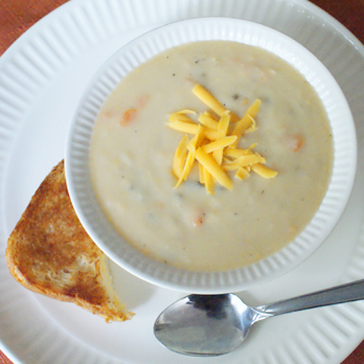 Skinny Beer Cheese Soup (2 cups is only 393 calories!)