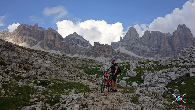 geile aussicht Cortina Mountainbike - Travenanzes