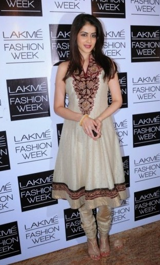 Genelia D'suza Cream Anarkali At Lakme Fashion Week
