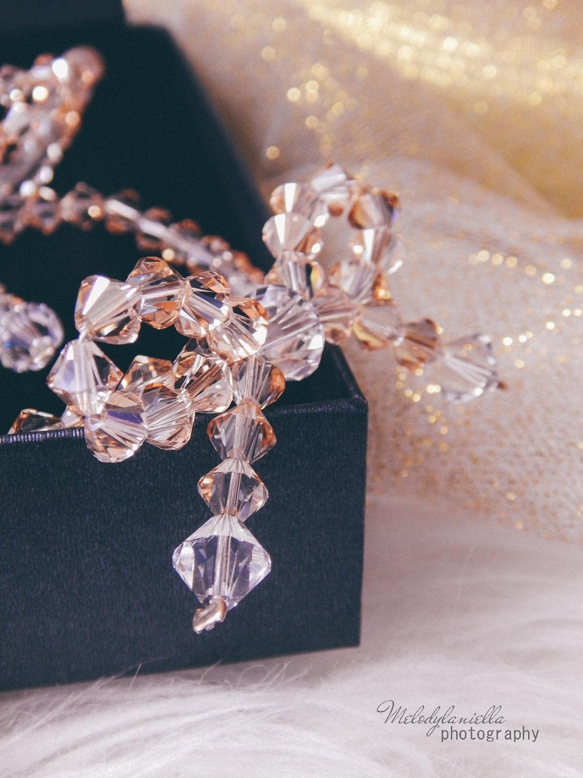 8 biżuteria M piotrowski recenzje kryształy swarovski przegląd opinie recenzje jak dobrać biżuterie modna biżuteria stylowe dodatki kryształy bransoletka z kokardką naszyjnik z kokardą złoto srebro fashion