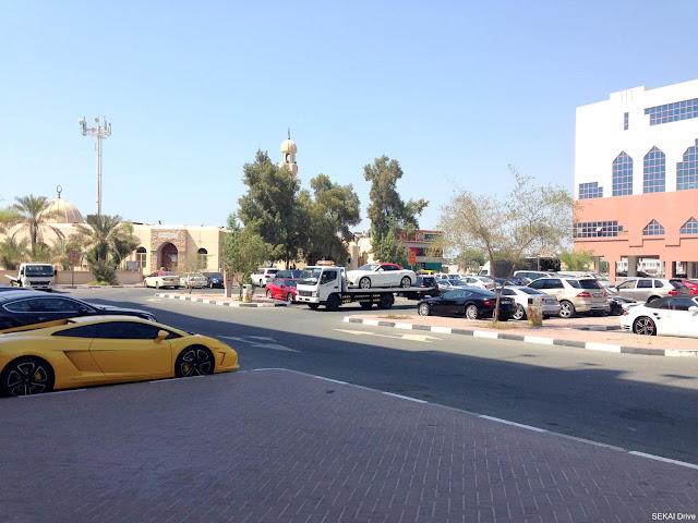 dubai-parkinglot ドバイの駐車場