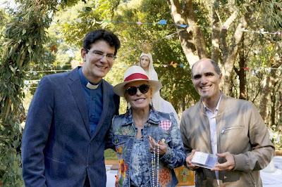 Ana Maria Braga com o Padre Reginaldo Manzotti e Paulo Machado
