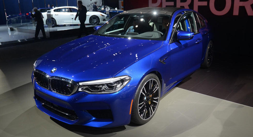 bmw m5 competition package is closer than you 39 d think. Black Bedroom Furniture Sets. Home Design Ideas