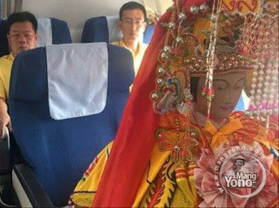 Patung Dewi Cina Naik Pesawat Bisnis Dari Xiamen Ke Malaysia
