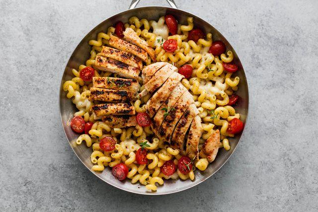 Caprese Chicken Pasta - food-drink-recipes.com
