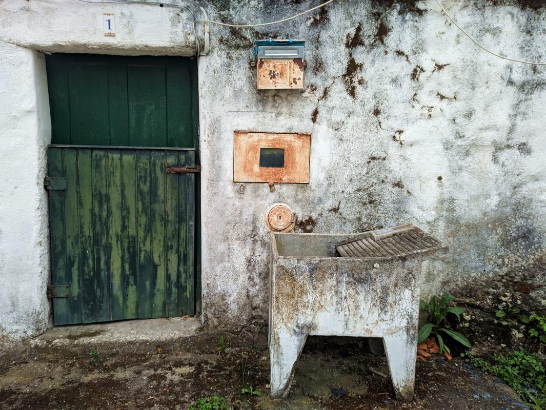 Лажеоза-ду-Мондегу. Провинция Бейра-Алта. По Португалии пешком