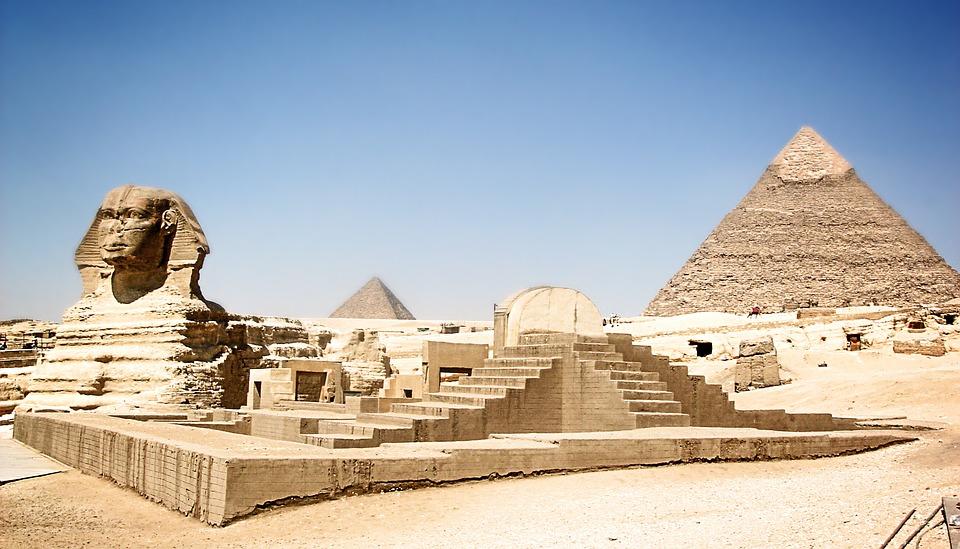the great pyramid of giza, giza pyramid complex, great pyramid of giza height, who built the great pyramid of giza, great pyramid of giza inside, true pyramid facts,