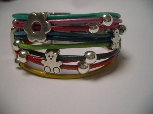 4e61643eab06 Pulseras para niña  Pulsera de cuero de 2 mm en varios colores con bolitas  de plata