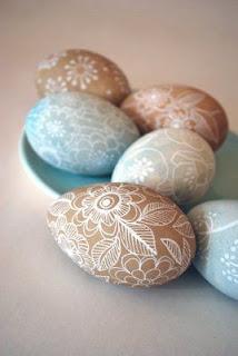 uova decorate con fiori fai da te