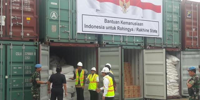 Indonesia Bantu 10 Kontainer Makanan dan Pakaian Untuk Warga Rohingya