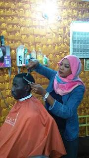 Naag timajare ah woman Barber share