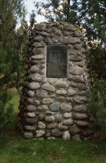Tuukkalan kalmiston muistomerkki