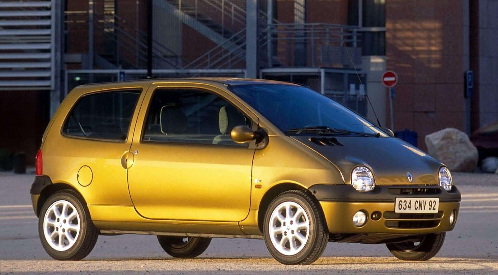 pondering cars the volkswagen up is the new renault twingo. Black Bedroom Furniture Sets. Home Design Ideas