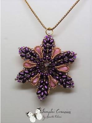 Il ciondolo Trilly con Es o beads e silky