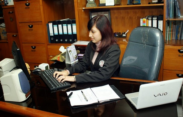 Sekretaris Profesional Ihsan Fadhil F