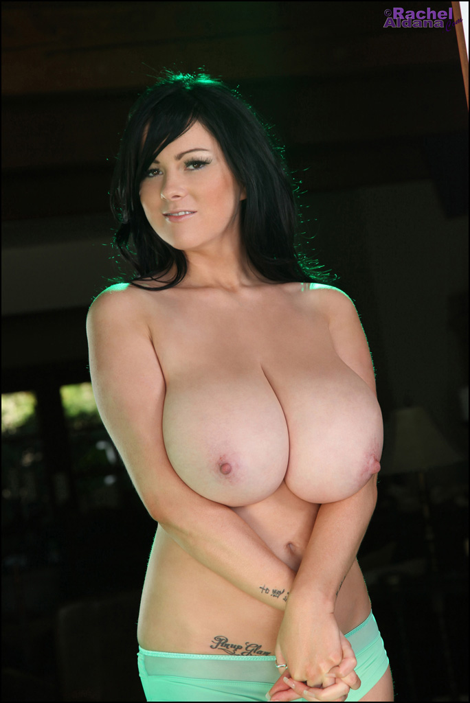 Rachel Aldana Christmas Green Pornky 1