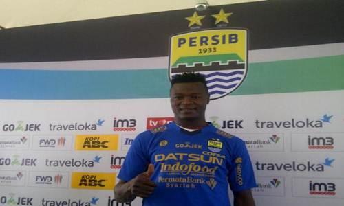 https://wa-emief.blogspot.com/2017/08/profil-ezechiel-ndouassel-striker-baru.html