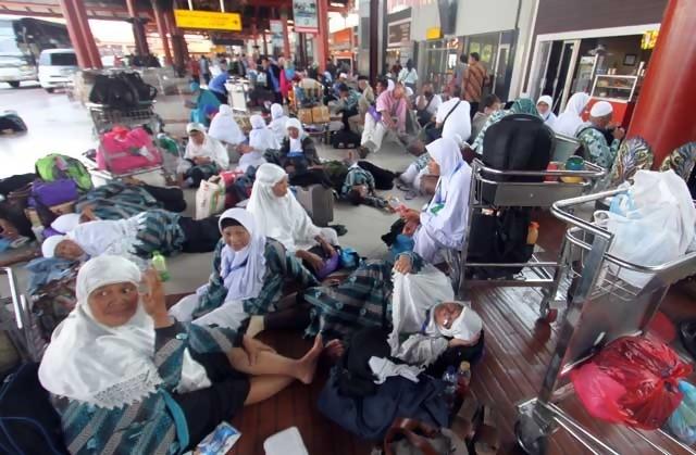 40 Jamaah Umrah Telantar di Bandara Madinah karena Tak Punya Tiket