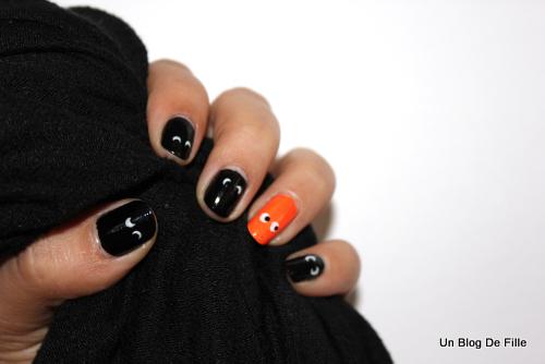 http://unblogdefille.blogspot.fr/2012/10/snb-nail-art-dhalloween.html
