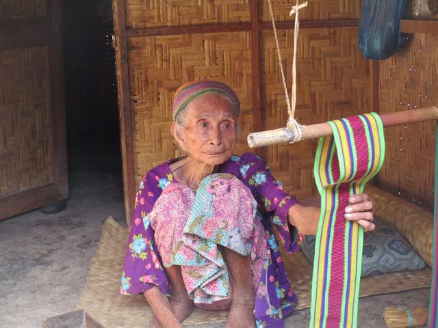 tertua di desa sade