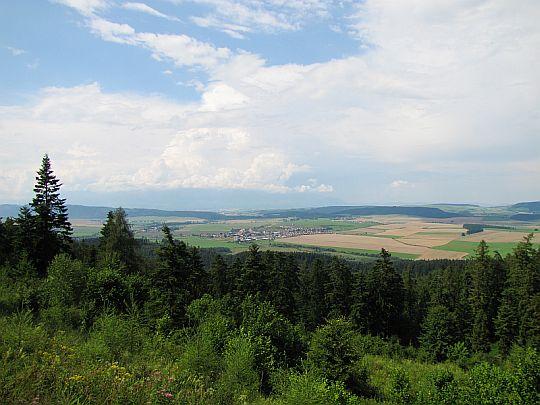 Widok na Hrabuszyce (słow. Hrabušice, węg. Káposztafalva).