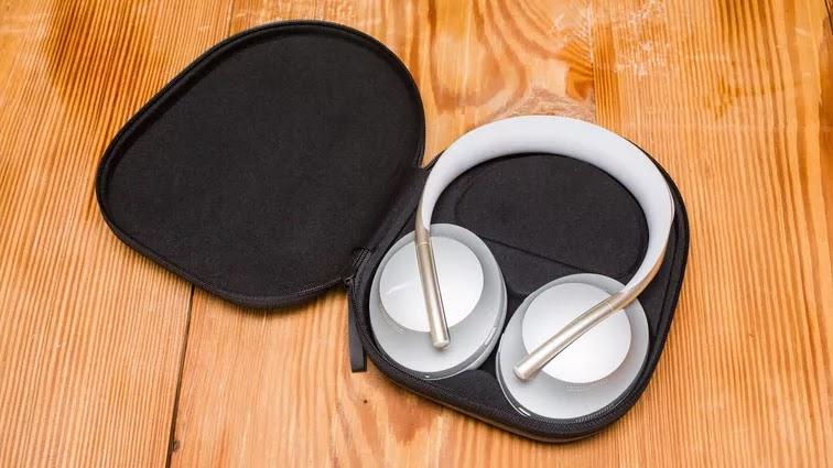 Bose Noise Cancelling 700 headphones