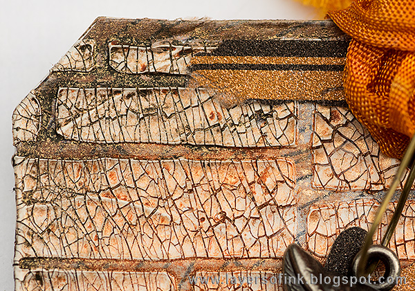 Layers of ink - Shimmer and Shine Halloween Tutorial by Anna-Karin with Tim Holtz Halloween products