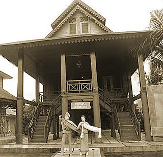 Keunikan Sejarah Rumah Adat Tradisional Dulohupa Gorontalo Sulawesi Tempat Wisata Keunikan Sejarah Rumah Adat Tradisional Dulohupa Gorontalo Sulawesi