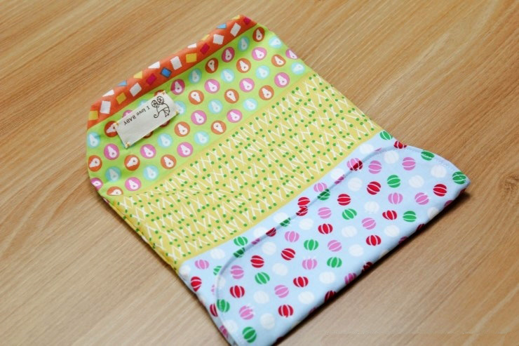 DIY Tutorial for super easy and useful Diaper Pouch