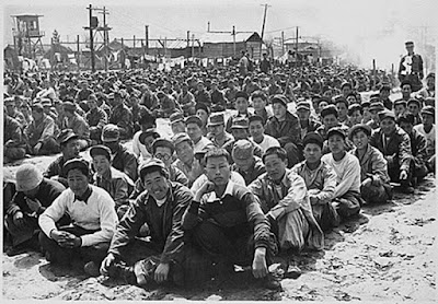 Sejarah Korea Selatan   Korea Selatan   Korea selatan adalah sebuah Negara di Asia timur yang meliputi bagian semenanjung korea chingu.di bagian utara,yang mana keduanya bersatu menjadi sebuah Negara dari tahun 1948. Negara korea ini dikenal juga dengan nama hanguk (한국) oleh penduduk korea selatan chingu sedangkan korea utara menyebutnya dengan Namchosŏn (남조선).  Sejarah terbentuknya korea   Korea dimulai dengan pembentukan Joseon (atau lebih sering disebut dengan Gojoseon chingu untuk menhindari persamaan nama dengan Dinasti Joseon pada abad ke 14) pada 2333 SM oleh Dangun. Gojoseon berkembang hingga bagian utara Korea dan Manchuria. Setelah beberapa kali berperang dengan Dinasti Han Gojoseon mulai berdisintegrasi.  Dinasti Buyeo, Okjeo, Dongye dan konfederasi Samhan menduduki Semenanjung Korea dan Manchuria Selatan. Goguryeo, Baekje, and Silla berkembang mengatur Tanjung Korea yang dikenal dengan Tiga Kerajaan Korea (udah pada nonton Quuen Seon Deok kan chingu itu tuh ceritanya ).  Unifikasi yang dilakukan oleh Kerajaan Silla dengan menundukkan kerajaan Goguryeo (goguryeo ditundukan oleh raja mulyeol chingu anak dari chunchu keponakan ratu seon deok) berhasil membawa puncak ilmu pengetahuan dan budaya yang besar yang ditunjukkan dengan perkembangan puisi dan seni serta kemajuan agama Budha. Untuk pertama kalinya Semenanjung Korea berhasil disatukan oleh