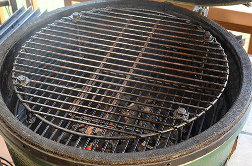 Homemade raised cooking grate on a Big Green Egg grill.