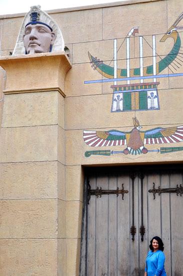 Lady by Choice Hollywood Boulevard deco Egyptian