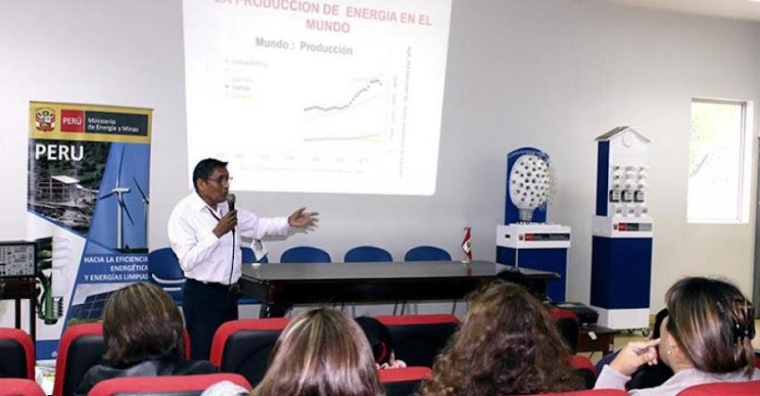 DRELM: Más de 700 docentes fueron capacitados sobre uso eficiente de energía - www.drelm.gob.pe
