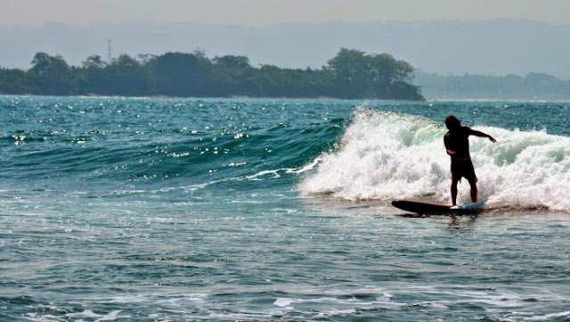 Pantai Batu Karas Pangandaran Favorit Para Peselancar