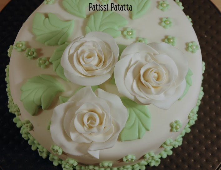cake design, gâteau 3D, pâte à sucre, gumpaste, fondant, flowers cakes, white and green cake