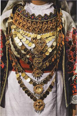 Φορεσιά της Ελληνίδας αρβανίτισσας