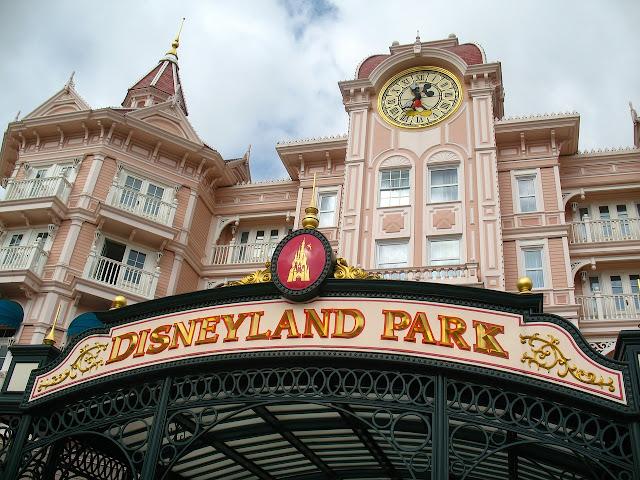 Tips Berlibur Menyenangkan Ke Disneyland Tokyo